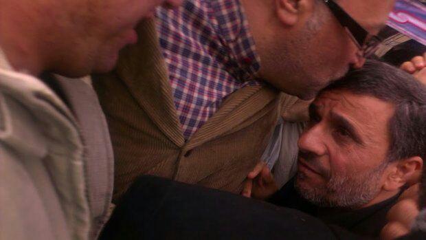 والده ماجده دکتر احمدی نژاد دار فانی را وداع گفت/ حضور رییس جمهور سابق در راهپیمایی دشمن شکن 22 بهمن