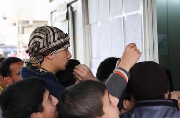 نمایش عمومی فیلم آتش زدن خلبان اردنی توسط داعش
