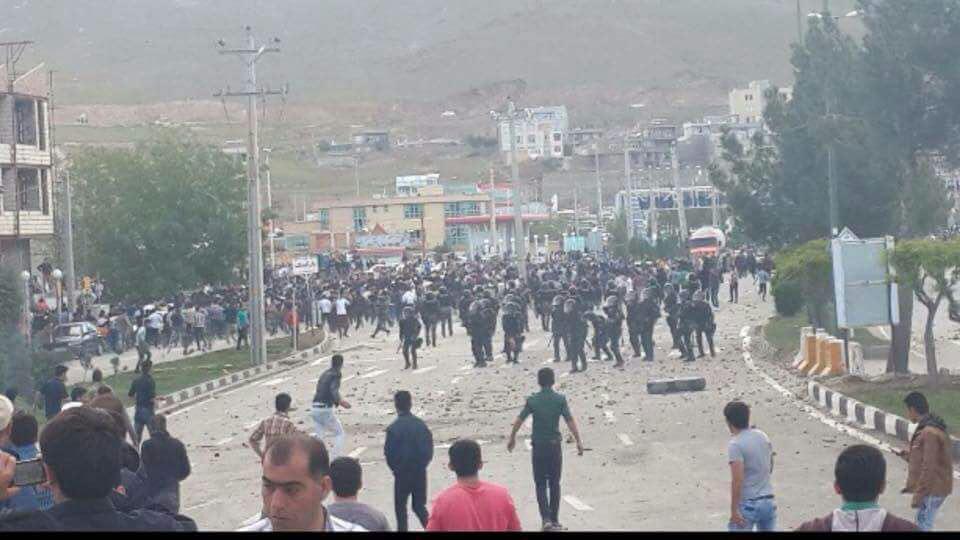 http://www.afkarnews.ir/images/docs/000413/n00413603-r-b-000.jpg