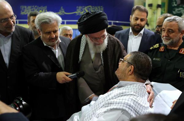 جمعی از جانبازان و خانوادهایشان با رهبر معظم انقلاب دیدار کردند