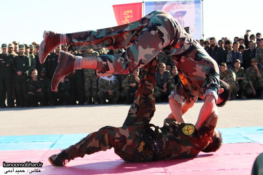 تصاویراجرای حرکات نمایشی در اجتماع بزرگ بسیجیان کوهدشت (10)