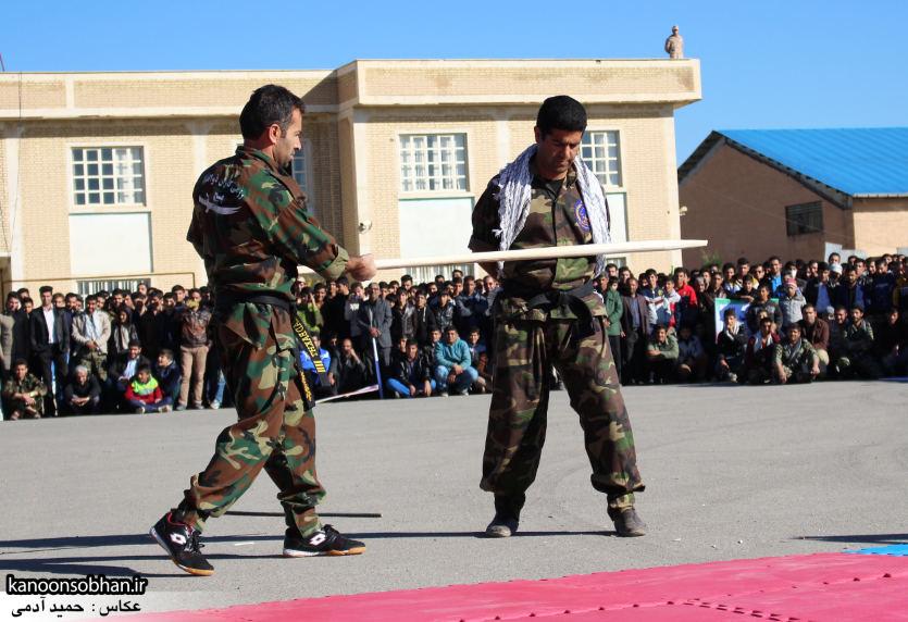 تصاویراجرای حرکات نمایشی در اجتماع بزرگ بسیجیان کوهدشت (15)