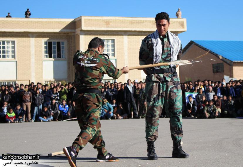 تصاویراجرای حرکات نمایشی در اجتماع بزرگ بسیجیان کوهدشت (17)