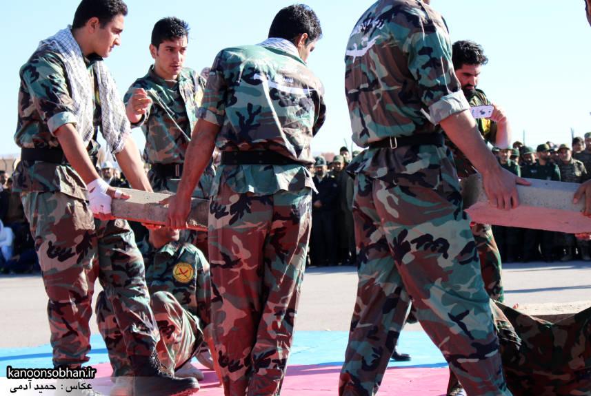 تصاویراجرای حرکات نمایشی در اجتماع بزرگ بسیجیان کوهدشت (19)