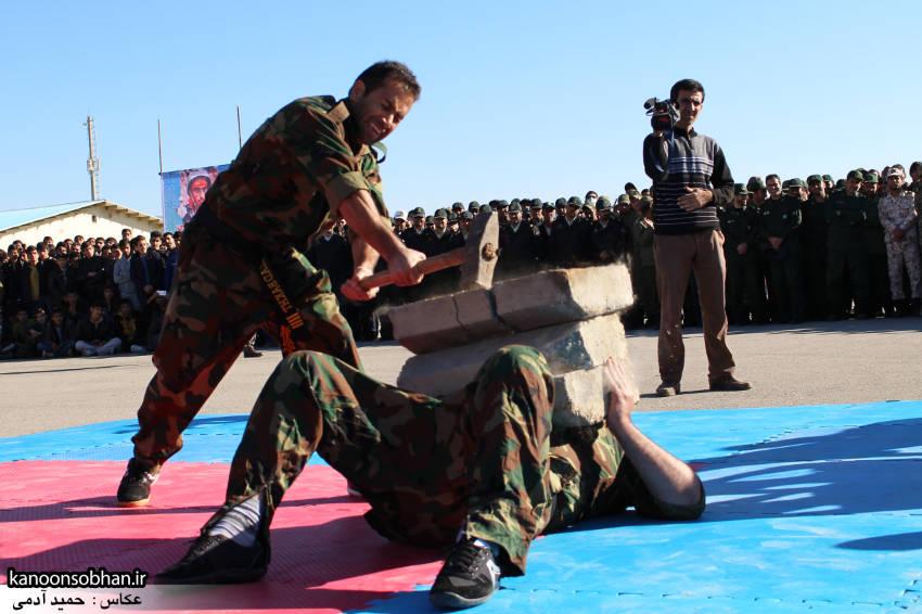 تصاویراجرای حرکات نمایشی در اجتماع بزرگ بسیجیان کوهدشت (22)