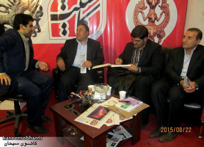 تصاویر بازدید شخصیت ها ی کشوری از غرفه هفته نامه کاسیت در نمایشگاه مطبوعات و خبرگزاری ها (9)
