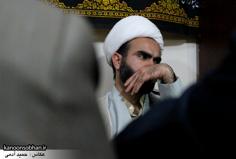 تصاویر شب آخر مراسم عزاداری صفر ۱۳۹۴ در دفتر امام جمعه کوهدشت (31)