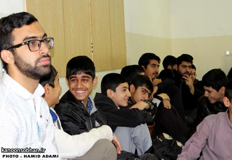 تصاویر نشست معرفتی بصیرتی طلاب بسیجی کوهدشت (4)