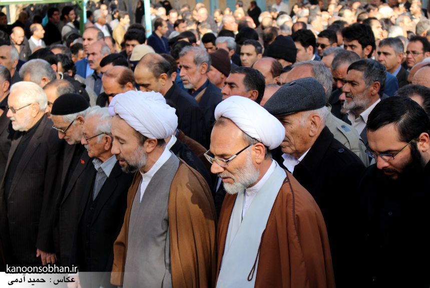 تصاویر مراسم تشییع و تدفین مادر شهید شهرام عباسی در کوهدشت (10)