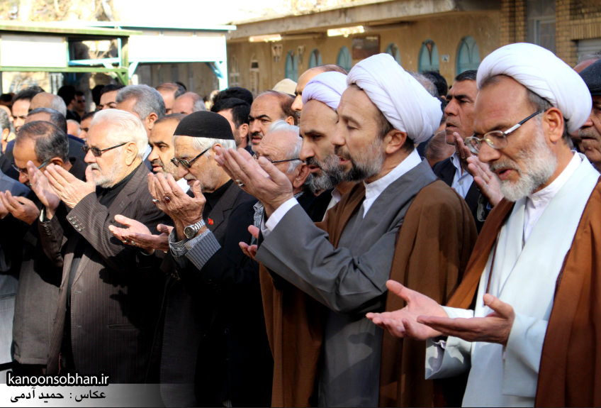تصاویر مراسم تشییع و تدفین مادر شهید شهرام عباسی در کوهدشت (14)
