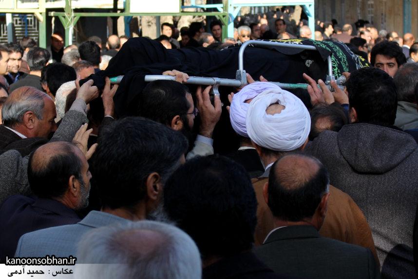 تصاویر مراسم تشییع و تدفین مادر شهید شهرام عباسی در کوهدشت (16)