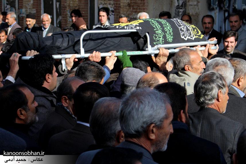 تصاویر مراسم تشییع و تدفین مادر شهید شهرام عباسی در کوهدشت (17)