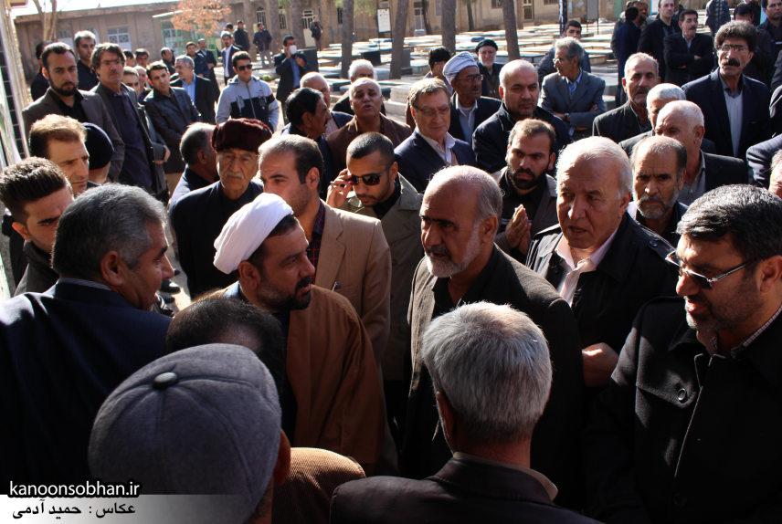 تصاویر مراسم تشییع و تدفین مادر شهید شهرام عباسی در کوهدشت (27)