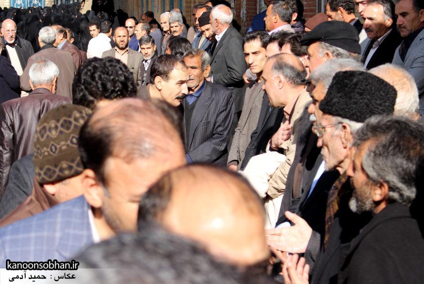 تصاویر مراسم تشییع و تدفین مادر شهید شهرام عباسی در کوهدشت (29)