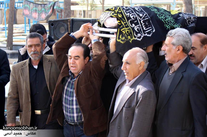 تصاویر مراسم تشییع و تدفین مادر شهید شهرام عباسی در کوهدشت (3)