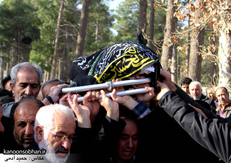 تصاویر مراسم تشییع و تدفین مادر شهید شهرام عباسی در کوهدشت (5)