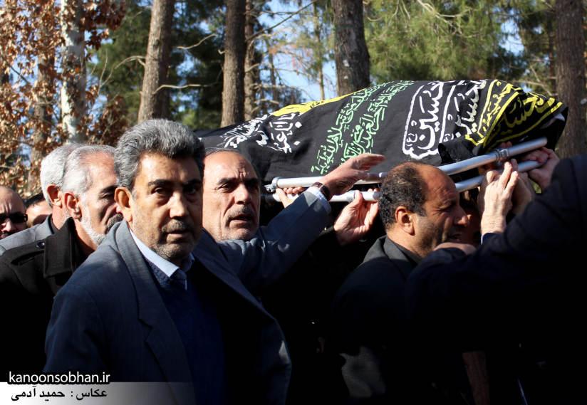 تصاویر مراسم تشییع و تدفین مادر شهید شهرام عباسی در کوهدشت (6)
