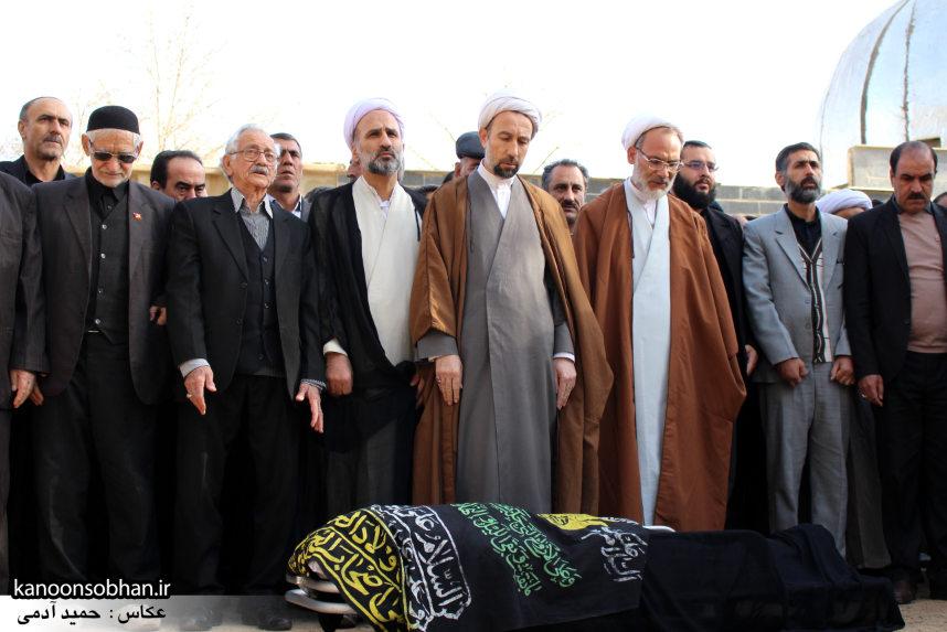 تصاویر مراسم تشییع و تدفین مادر شهید شهرام عباسی در کوهدشت (8)