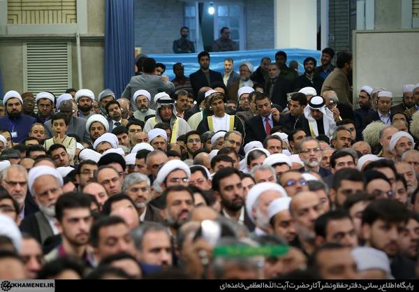 http://farsi.khamenei.ir/ndata/news/31761/C/13941008_1531761.jpg