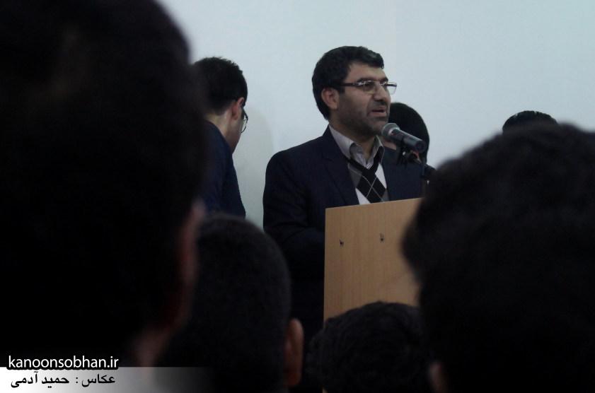 تصاویرجلسه هم اندیشی اساتیددانشگاه آزاد وپیام نور کوهدشت با دکتر الهیارملکشاهی (22)