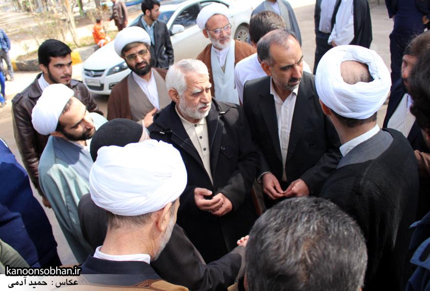 تصاویر حضور آیت الله احمد مبلغی در مرقد شریف پدر و قبور شهدا (14)
