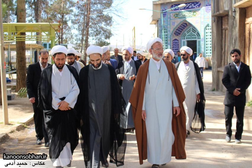تصاویر حضور آیت الله احمد مبلغی در مرقد شریف پدر و قبور شهدا (5)