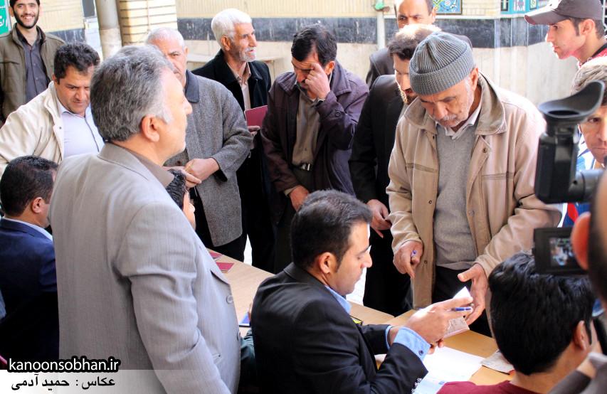 تصاویر حضور پرشور مردم کوهدشت در پای صندوق های رأی (18)