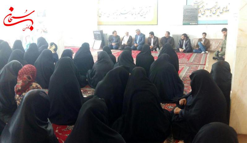 تصاویرجشن میلاد حضرت زهرا(س) در اداره بنیاد شهید کوهدشت (11)