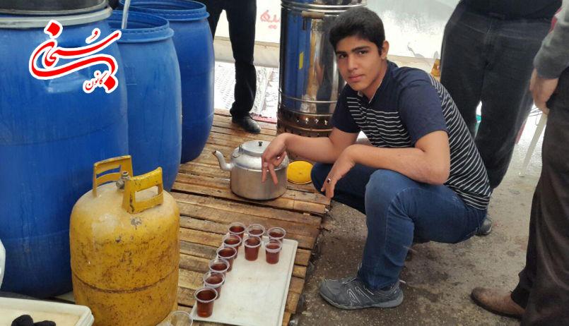 تصاویر فعالیت موکب جوانان عاشورایی کوهدشت در ایام فاطمیه(س) (8)