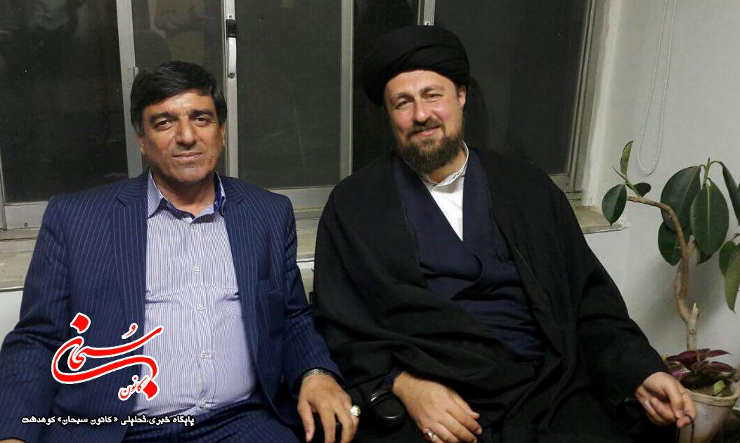 محمد آزادبخت و هادی قبادی در کنار سید حسن خمینی (2)