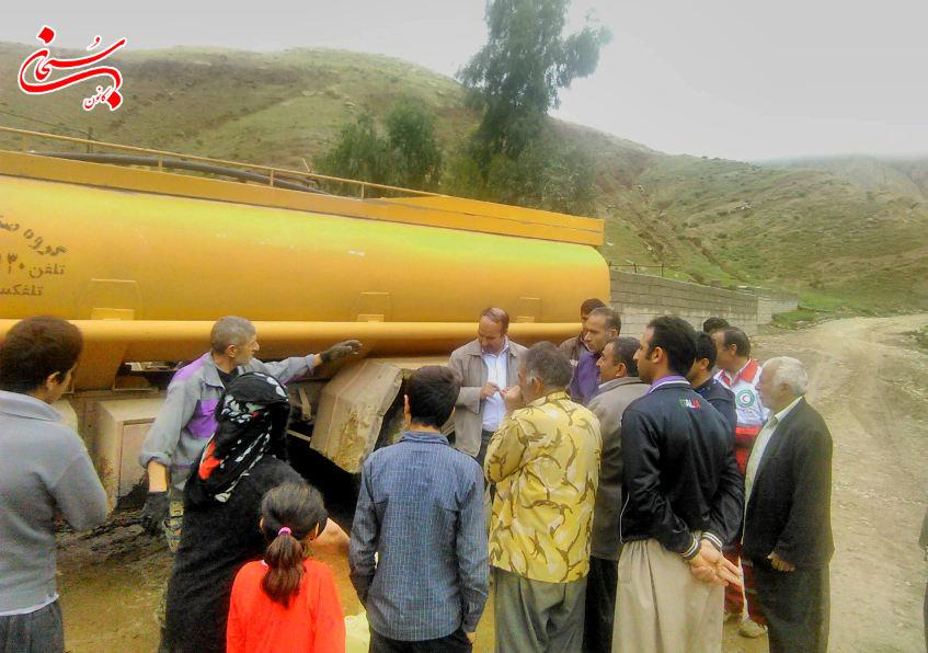 تصاویر حضورفرماندار کوهدشت و مسئولین در مناطق سیل زده ی بخش کوهنانی (2)