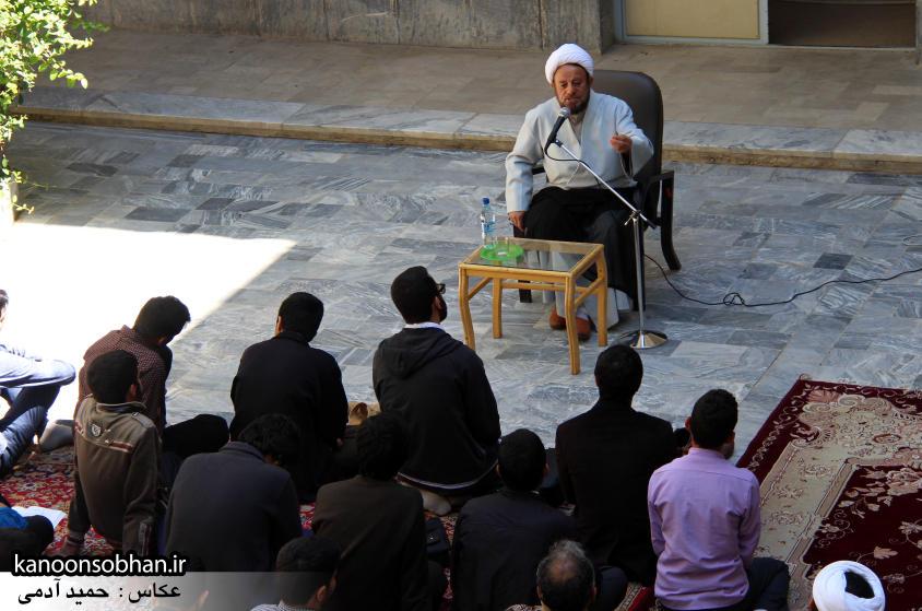 تصاویر کلاس اخلاق حوزه علمه کوهدشت با سخنرانی استاد اخلاق کشوری (15)
