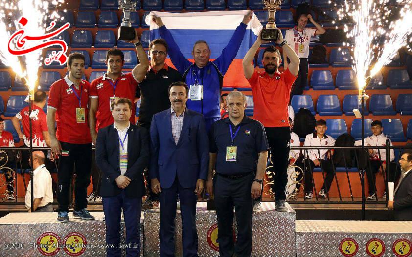افتخار آفرینی تیم کشتی روح الله دل انگیز در مسابقات جهانی (3)
