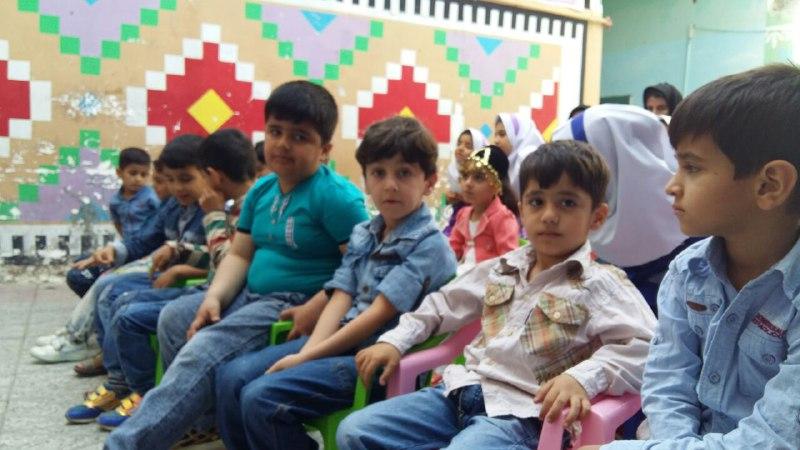 تصاویرجشن تکلیف و الفبا در مدرسه باغ مینو کوهدشت (10)