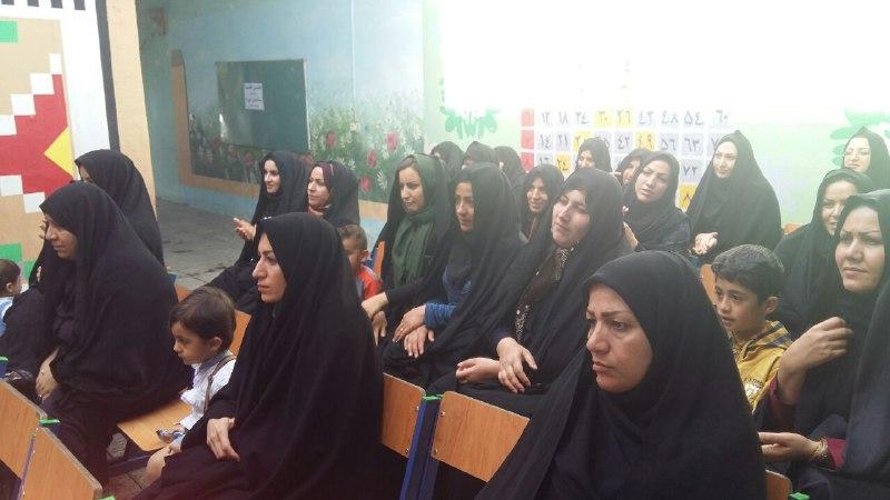 تصاویرجشن تکلیف و الفبا در مدرسه باغ مینو کوهدشت (12)