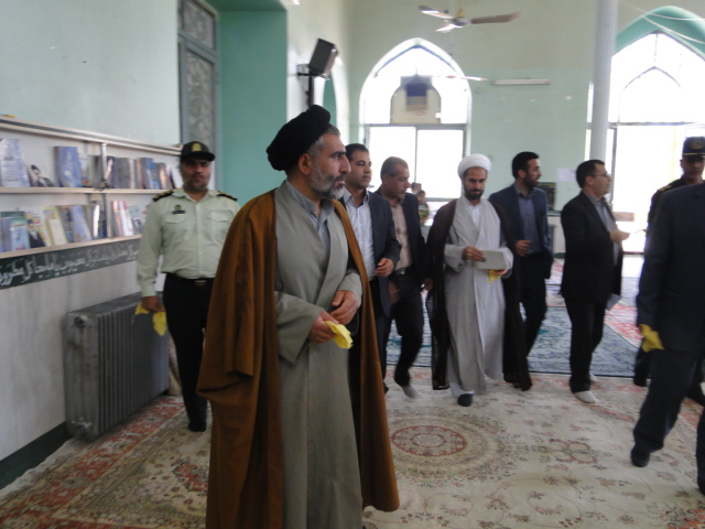 تصاویر آئین نمادین غباروبی مساجد کوهدشت (1)