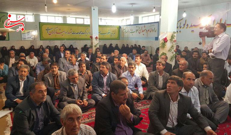 تصاویر مراسم جشن روز جانباز در اداره بنیاد شهید کوهدشت (3)