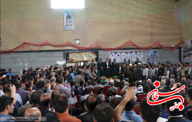 عباس گودرزی عصر امروز در جمع شهروندان بروجردی (2)