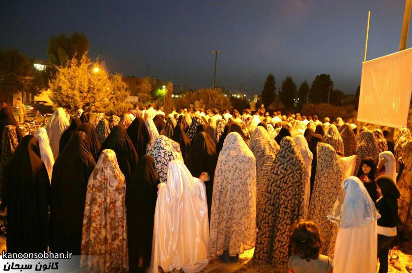 تصاویر اقامه نماز جماعت در پارک مهرگان کوهدشت (1)