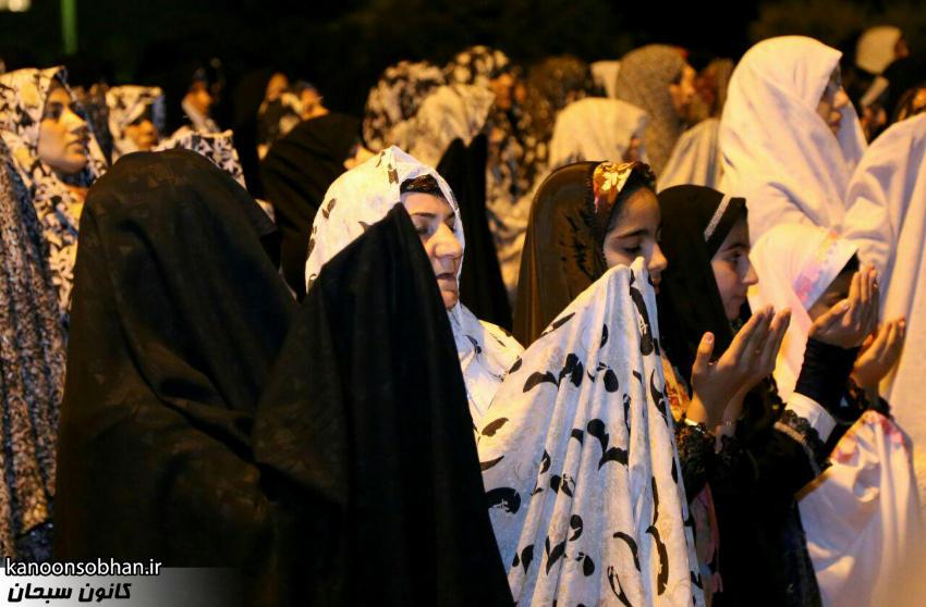 تصاویر اقامه نماز جماعت در پارک مهرگان کوهدشت (10)