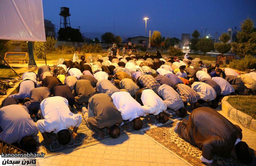 تصاویر اقامه نماز جماعت در پارک مهرگان کوهدشت (11)