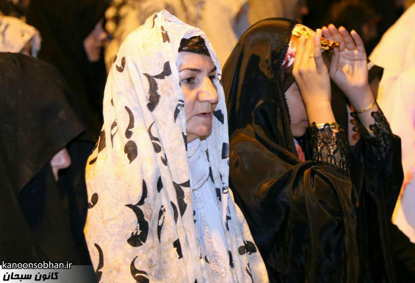 تصاویر اقامه نماز جماعت در پارک مهرگان کوهدشت (12)