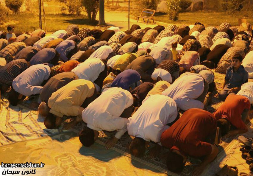 تصاویر اقامه نماز جماعت در پارک مهرگان کوهدشت (13)