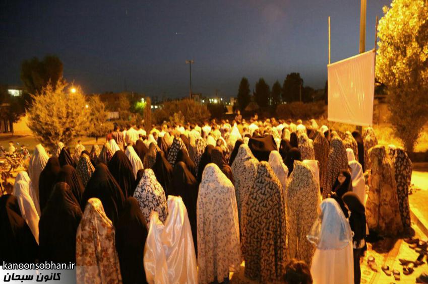 تصاویر اقامه نماز جماعت در پارک مهرگان کوهدشت (15)