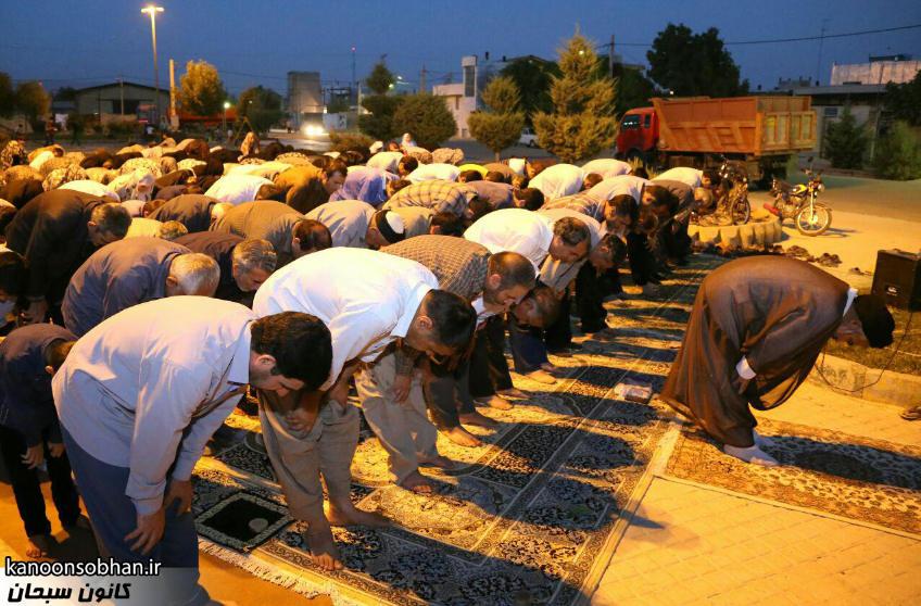 تصاویر اقامه نماز جماعت در پارک مهرگان کوهدشت (17)