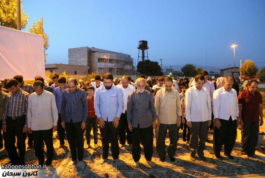 تصاویر اقامه نماز جماعت در پارک مهرگان کوهدشت (3)