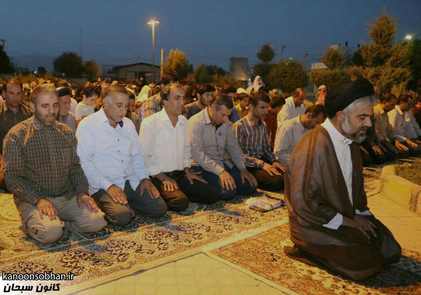 تصاویر اقامه نماز جماعت در پارک مهرگان کوهدشت (4)