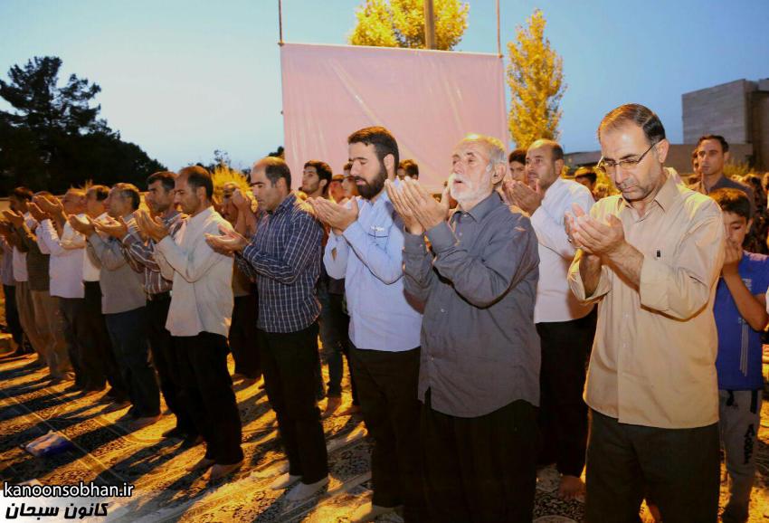 تصاویر اقامه نماز جماعت در پارک مهرگان کوهدشت (5)