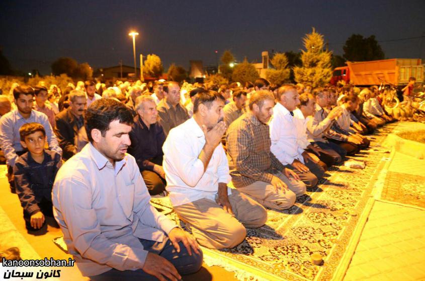 تصاویر اقامه نماز جماعت در پارک مهرگان کوهدشت (6)