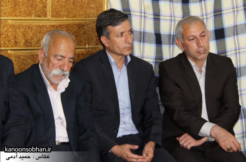 تصاویر دیدار استاندار لرستان و دیگر مسئولین با خانواده شهید مدافع حرم در کوهدشت (11)